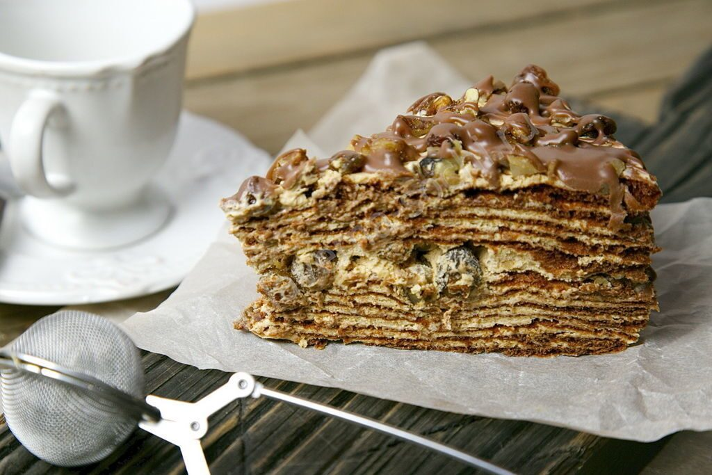 Ореховый медовик торт
