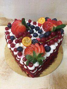 Сердечко с ягодами «Красный бархат»